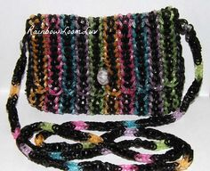 Purse - Rainbow Loom - Rainbow Loom Purse- FREE bracelet of your choice with purchase of this purse only. This looks like some alteration on a dragon's scale bracelet.