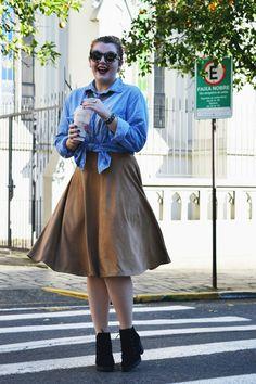 Compra-se Um Fusca: Look Saia Midi + Camisa Jeans