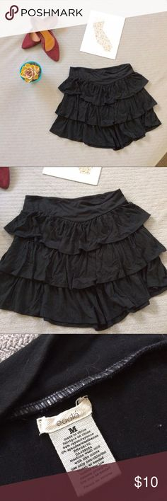 UO Tiered Ruffled Skirt 🖤 UO Tiered Ruffled Skirt 🖤   good worn condition! Brand is Ecote, purchased from Urban Outfitters Urban Outfitters Skirts