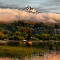 Another beautiful shot of Chile //Pucón, Chile Countries To Visit, Life Is Like, Great View, Amazing Nature, South America, Places To See, Around The Worlds, Adventure, Vacation