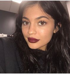 Kylie makeup free except lashes first trying Leo #kylie #kyliejenner #kyliecosmetics #jenner #leolipkit #leo #lipkit #makeup # makeupfree #kyliesbirthday  #birthdayedition