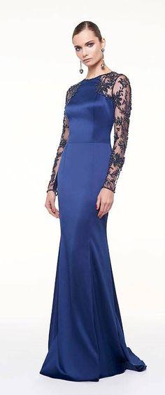 Vestido de festa azul manga longa bordada