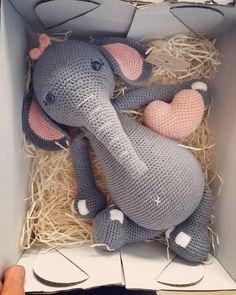Mesmerizing Crochet an Amigurumi Rabbit Ideas. Lovely Crochet an Amigurumi Rabbit Ideas. Cute Crochet, Crochet Crafts, Crochet Projects, Scarf Crochet, Blanket Crochet, Crochet Tops, Crochet Ideas, Crochet Dolls Free Patterns, Crochet Designs