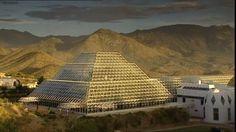 Greenhouse pyramid