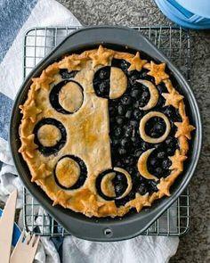 Vegan Blueberry Pie + A Celestial Lesson – Radiant Rachels - Vegan Desserts Delicious Desserts, Yummy Food, Easy Desserts, Yummy Treats, Sweet Treats, Vegan Recipes, Cooking Recipes, Pie Recipes, Fall Recipes