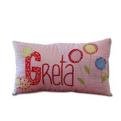 """Namenskissen """"Greta""""  gibt's bei milchmädchen.design"""