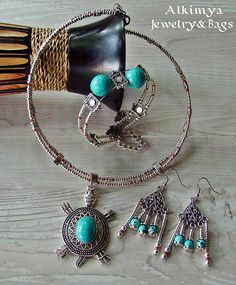 Ethnic summer parure set turchese https://www.etsy.com/it/listing/530454765/ethnic-summer-parure-set-turchese?ref=shop_home_active_1