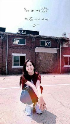 That precious smile. Kpop Girl Groups, Korean Girl Groups, Kpop Girls, Blackpink Jisoo, Yg Entertainment, Lisa Park, Black Pink ジス, Blackpink Members, Idole