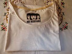 Euro Contest: Notnegotiable T-Shirt per Uomo e Donna Con Stampe Colorate
