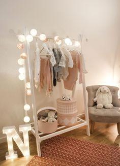 Alice & Fox Light Loop 20 Tassen, Dusty Dark Blue / White Source by Baby Bedroom, Baby Room Decor, Nursery Room, Girls Bedroom, Ideas De Closets, Bright Nursery, Baby Room Colors, Baby Room Design, Cozy Room