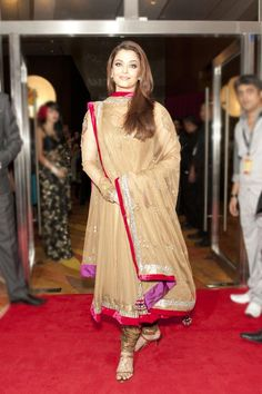 Behold the pristine beauty of #AishwaryaRai in #ethnicattire! If you have pictures of yourself in an elegant #Anarkali, hurry and share it with us (http://on.fb.me/1p1hIlh). The best picture wins a surprise gift from #UtsavFashion! Image Courtesy : Yahoo.com