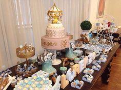 FESTA CLEAN Carrossel  decoração @festaclean  festacleanchic.com