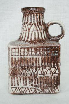Bay vase, moulded mark: 71-17, design: Bodo Mans. WGP West German Pottery.