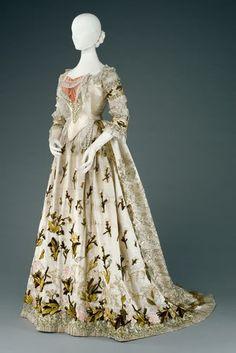 1880  Dresses of Empress Elisabeth