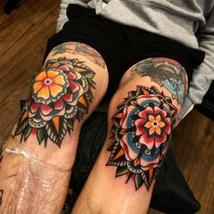 Old School Tattooed Models Body Suit Tattoos Elbow Tattoos, Old Tattoos, Tattoos For Guys, Sanduhr Tattoo Old School, Old School Tattoo Designs, Traditional Mandala Tattoo, Traditional Style Tattoo, Tattoo Model Mann, Tattoo Models