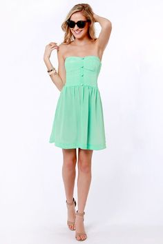 b1dff7f74584 It's time for some real-life memory-making in the Roxy Good Times Strapless  Mint Green Dress!