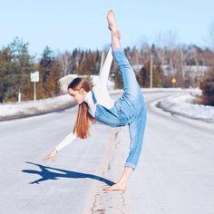 Flexibility Dance, Gymnastics Flexibility, Gymnastics Videos, Gymnastics Workout, Dance Photos, Dance Pictures, Anna Mcnulty, Laura Carmichael, Flexible Girls