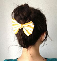 8 Authentic Cool Ideas: Older Women Hairstyles Messy Buns messy hairstyles braids.Older Women Hairstyles Ray Bans women hairstyles plus size shirts. Funky Hairstyles, Summer Hairstyles, Pretty Hairstyles, Braided Hairstyles, Braided Updo, Easy Updo, Bun Updo, Style Hairstyle, Wedding Hairstyles