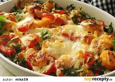 Zapečené mačkané brambory se šunkou a rajčaty recept - TopRecepty.cz Potato Salad, Cauliflower, Macaroni And Cheese, Recipies, Food And Drink, Lunch, Treats, Baking, Vegetables