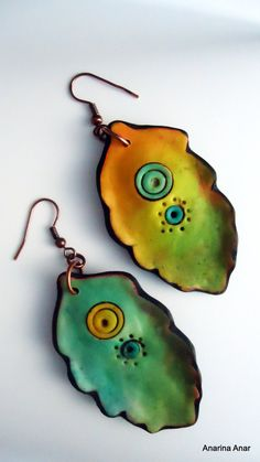 Polymer clay earrings, alcohol inks in clay, green shades earrings, Fimo Polymer Clay, Polymer Clay Projects, Polymer Clay Creations, Polymer Clay Earrings, Plastic Fou, Do It Yourself Jewelry, Ceramic Jewelry, Metal Clay, Biscuit