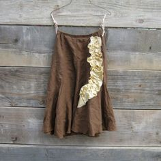 Great fall skirt...i want to wear this with my boots!