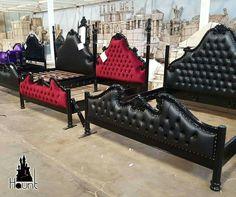 Gothic Bedroom, Bedroom Red, Dream Bedroom, Bedroom Decor, Furniture Decor, Furniture Design, Halloween Bedroom, Goth Home Decor, Romantic Room