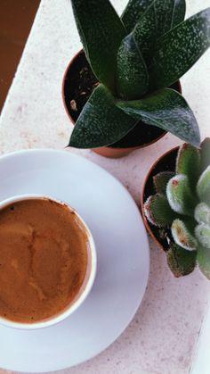 Coffee Shake, Coffee Cozy, Coffee Break, Morning Coffee, Coffee Photos, Coffee Pictures, Breakfast Pictures, Tea Snacks, Food Snapchat