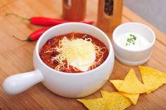 Chilli con carne podle Dity Pecháčkové je jednoduché na přípravu; Seasonal Food, Mashed Potatoes, Chili, Soup, Tableware, Ethnic Recipes, Recipes, Diet, Whipped Potatoes