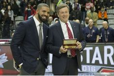 Drake gets key to the city at NBA all-star celebrity game (Toronto Star 12 February 2016)