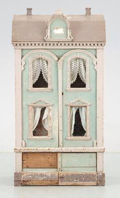 Pastel dollhouse