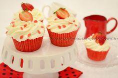 Cupcake de morango com chantilly | Receitas e Temperos