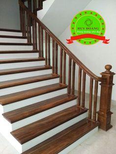 Làm cầu thang gỗ lim trụ gỗ tay vin gỗ con tiện kép đôi Exterior Stair Railing, Wood Railings For Stairs, Staircase Railing Design, Metal Railings, Wooden Stairs, Manado, House Front Design, Wood Paneling, Interior Decorating