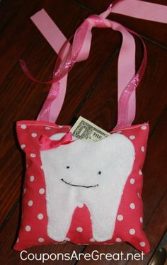 Use this Tooth Fairy Pillow Tutorial to put some extra magic in those special lost tooth moments.  #DIY #Crafts #toothfairy