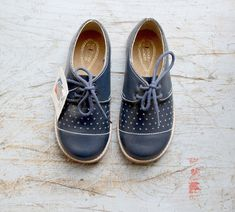 French vintage 60/70 's/kids shoes/navy blue leather/new old stock/size 23 and 24 (EU)/7, 5 and 8, 5 (US)/6 and 7 (UK)
