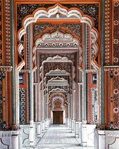 Jawahar Circle, Jaipur Rajasthan India (via Instagram: wander.1997)