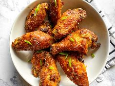 Garlic Parmesan Wings, Tray Bakes, Tandoori Chicken, Chicken Wings, Appetizers, Stuffed Peppers, Meals, Dishes, Ethnic Recipes