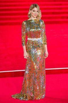 Léa Seydoux en robe Prada sur-mesure à la première du film Spectre à Londres http://www.vogue.fr/mode/mannequins/diaporama/les-looks-de-la-semaine/23365#la-seydoux-en-robe-prada-sur-mesure-la-premire-du-film-spectre-londres