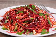A salad doesn't have to be a bowl full of lettuce. Try these lettuce-free salad recipes, which incorporate your favorite salad add-ins. Vegetarian Cooking, Healthy Cooking, Healthy Life, Diet And Nutrition, Raw Food Recipes, Salad Recipes, Chefs, Lithuanian Recipes, Lithuanian Food