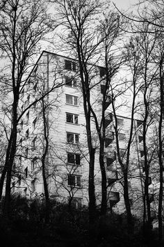 Melancholisch-still zeigt der Passauer Fotograf und Fotokünstler Christian Kropfmüller seine Heimat jenseits vom Postkartenidyll.