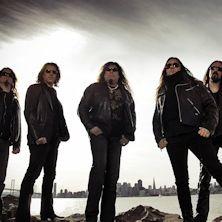 Testament - 30 anni di carriera sulle spalle, la consapevolezza di essere considerati tra i numeri del Thrash Metal mondiale e 10 album pubblicati, non hanno mai intaccato la voglia di suonare che i Testament hanno sempre dimostrato in ogni loro concerto, dove la Band...
