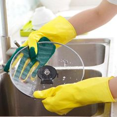 1 Pair Creative Home Washing Cleaning Gloves Cooking Glove Garden Kitchen Dish Sponge Fingers Rubber -The left handed is a regular glove, the right handed is a sponge attached to each finger. -The clean gloves are made of rubber Puerto Rico, Lava, Dishwashing Gloves, Cleaning Gloves, Kitchen Sponge, Cleaning Chemicals, Hand Gloves, Kitchen Dishes, Kitchen Tools