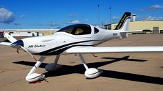 A Colorado man has unveiled an all-electric trainer aircraft called the AEAC Sun Flyer, and the technology could change the world. Electric Aircraft, Electric Car, Aeroplane Flying, Plane And Pilot, Air Machine, Experimental Aircraft, Super Yachts, Katana, Military Aircraft
