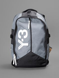 Y-3 DAY BACKPACK WITH ZIPPED COMPUTER SLEEVE ON THE BACK AND ONE INTERNAL ZIPPED POCKET HEIGHT: 42CM WIDTH:27CM DEPTH: 10CM