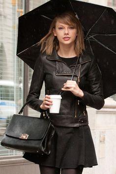 11 Times Taylor Swift Didn't Wear Red Lipstick - Taylor Swift Lipstick - Seventeen