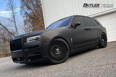 Satin Black Lowered Rolls Royce Cullinan with Avant Garde Wheels Rolls Royce Black, Rolls Royce Cars, Bugatti, Lamborghini, Rolls Royce Cullinan, Weird Cars, Crazy Cars, Lux Cars, Best Muscle Cars