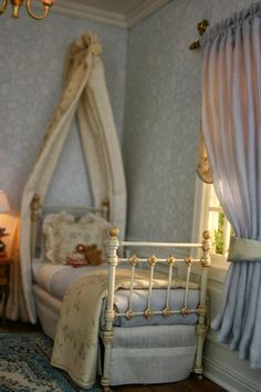 A Passion For Minatures: A little girls room...... (jt-this is lovely .. Go through lots more pics)