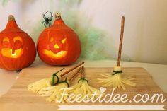 Happy #Halloween! String cheese witch brooms, Halloween treats | Heksenbezems gemaakt van stripkaas
