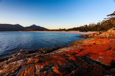 WINEGLASS BAY, TAZAMANIA