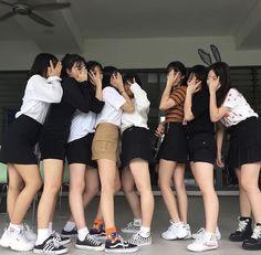 Uzzlang Girl, Hey Girl, Best Friend Pictures, Bff Pictures, Byun Jungha, Mystic Girls, Mode Ulzzang, Korean Best Friends, Girl Couple