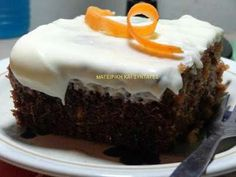 Φανταστικό πολύ αφράτο και πολύ δροσερό  Κέικ με καρότο και γλάσο , ιδανικό για κάθε περίσταση! Greek Desserts, Greek Recipes, Cake Cookies, Cupcake Cakes, Cake Recipes, Dessert Recipes, Cookie Frosting, Cake Bars, Brownie Cake